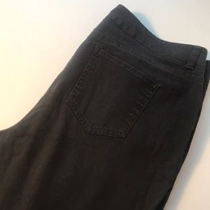 3/$15 Jones New York Sport Petite Jeans